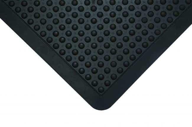 mata ergonomiczna bubble mat w kolorze czarnym