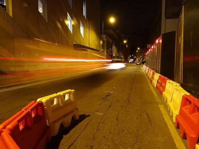 bariery-drogowe-plastikowe-bialo-czerwone