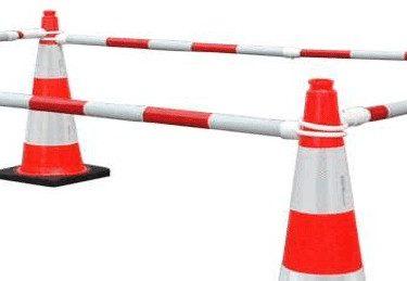 Zapory-drogowe-bialo-czerwone