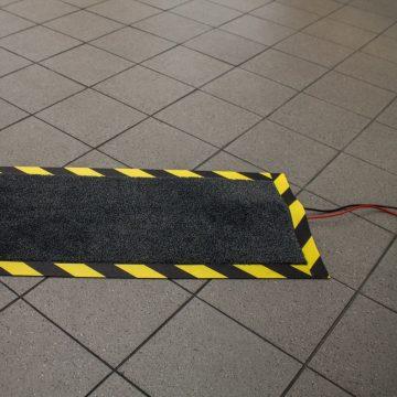 mata zabezpieczajaca kable power mat zastosowanie na podłodze